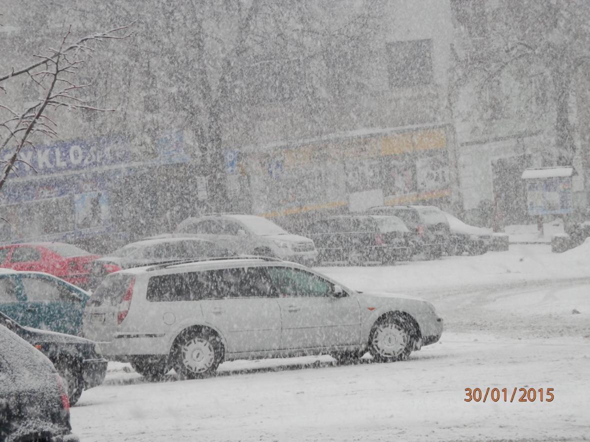 Husté sněžení ve Valašských Klouboukách