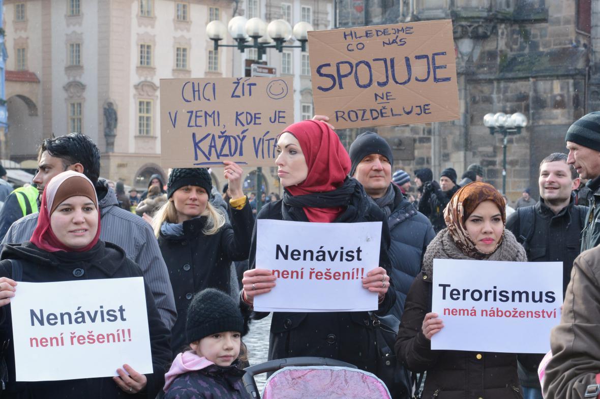 Odpůrci protiislámských nálad