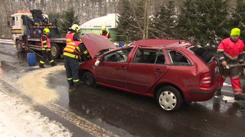 Auto po havárii znovu na silnici