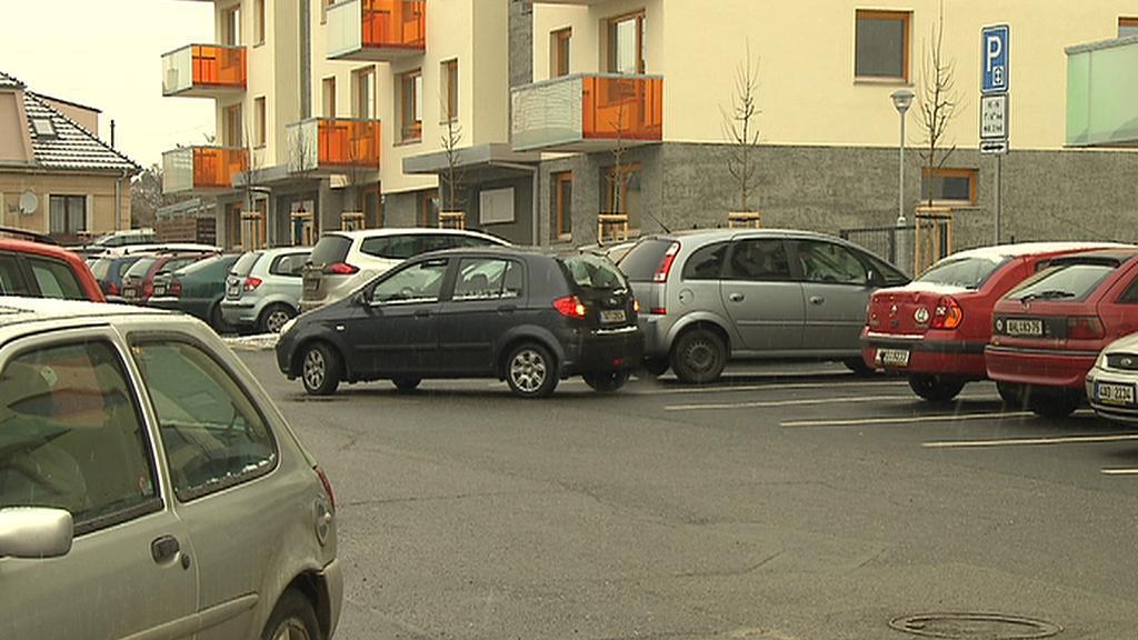 Parkování u modřanské polikliniky
