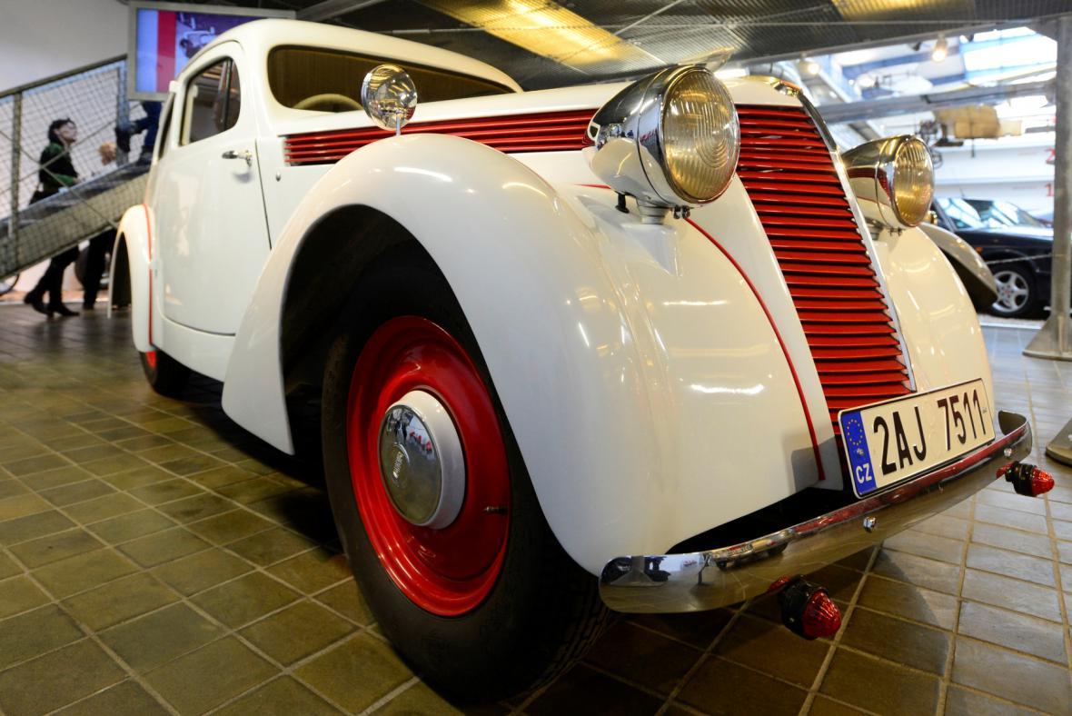 Z výstavy automobilů Jawa v Národním technickém muzeu