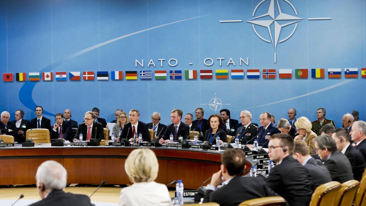 Jednání ministrů obrany NATO