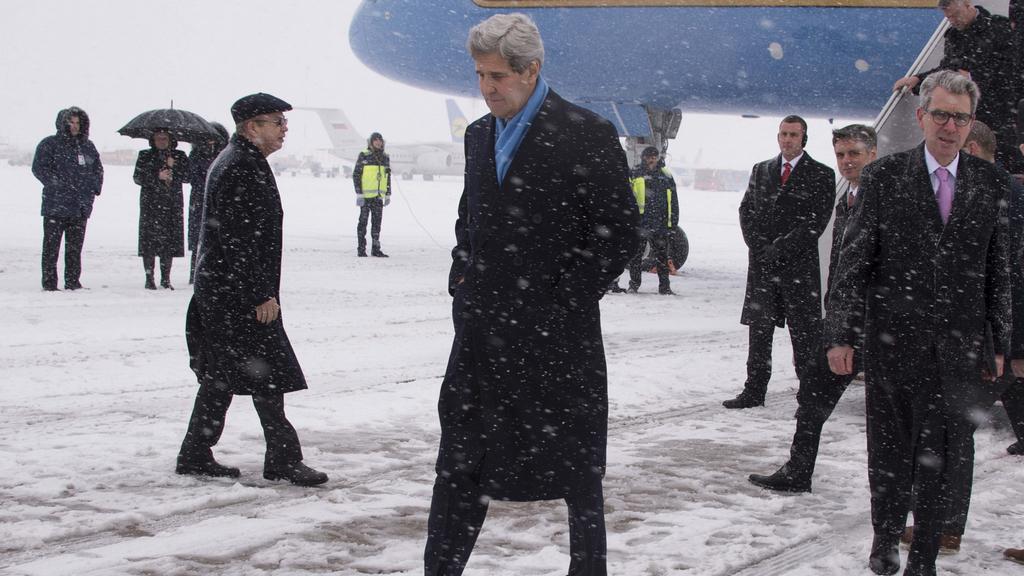 John Kerry po příletu na Ukrajinu