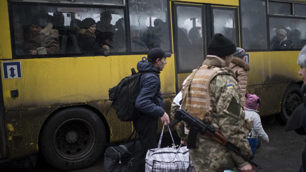 Evakuace z ukrajinského Debalceve