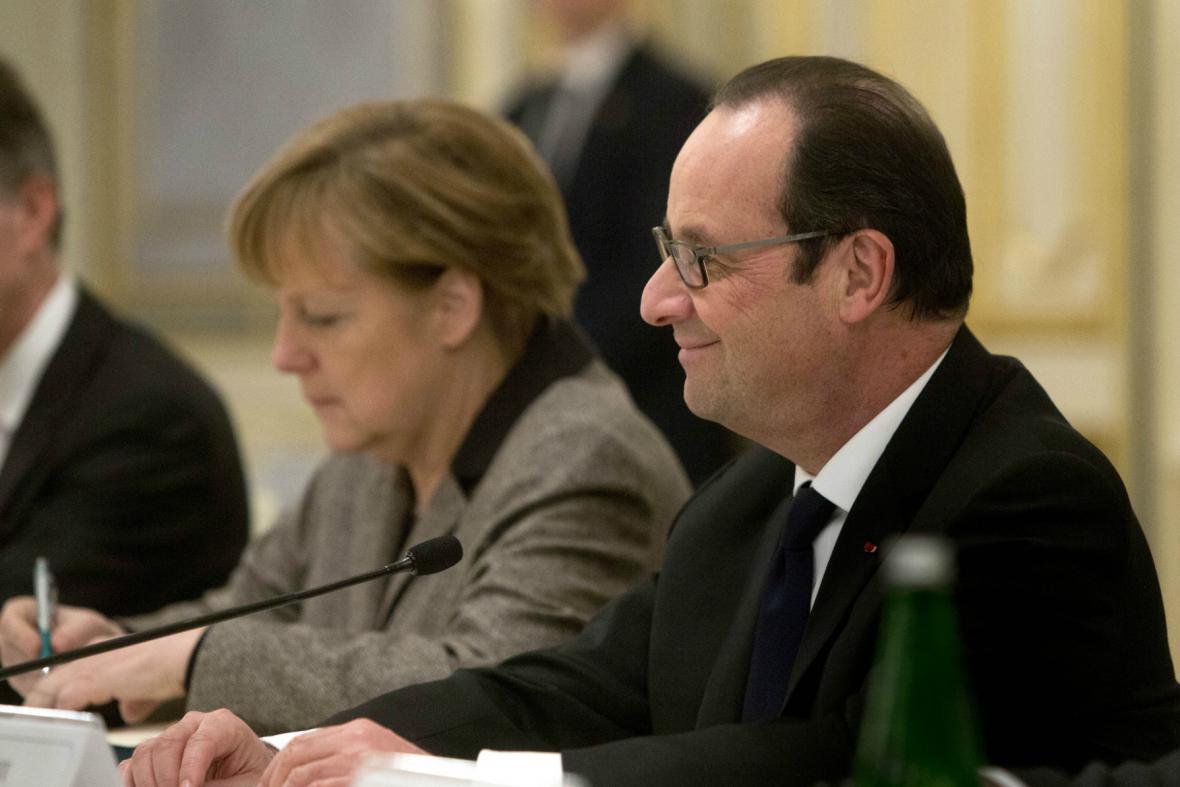 Merkelová a Hollande v Kyjevě
