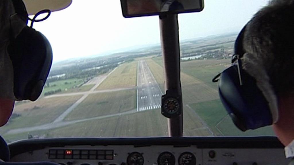 Přistávací dráha letiště v Hradci Králové