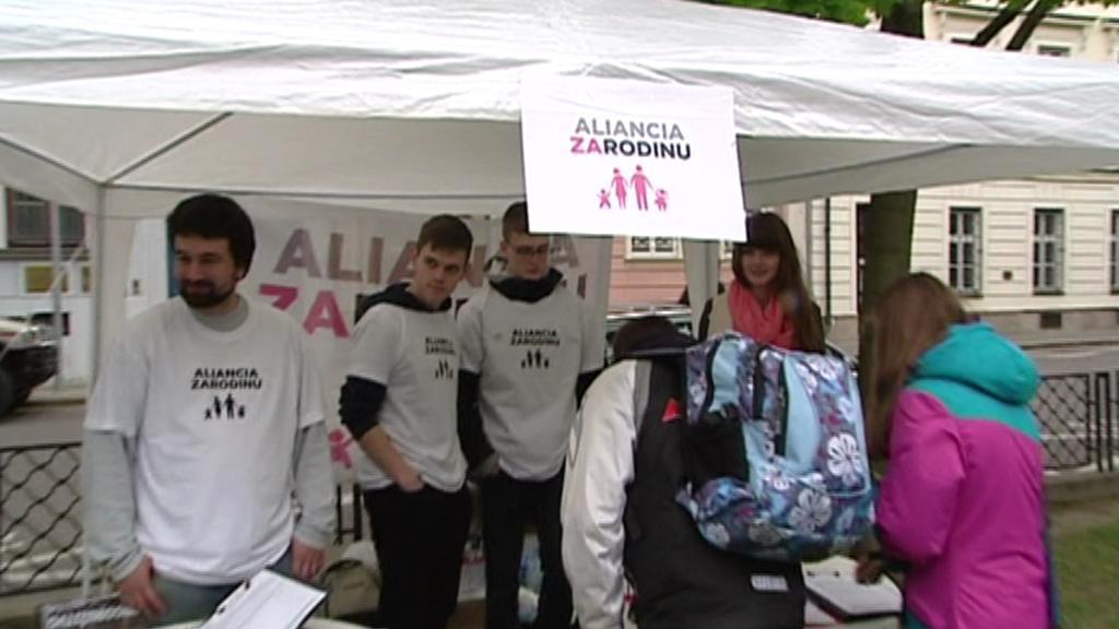 Slováci rozhodnou v referendu o tradiční rodině