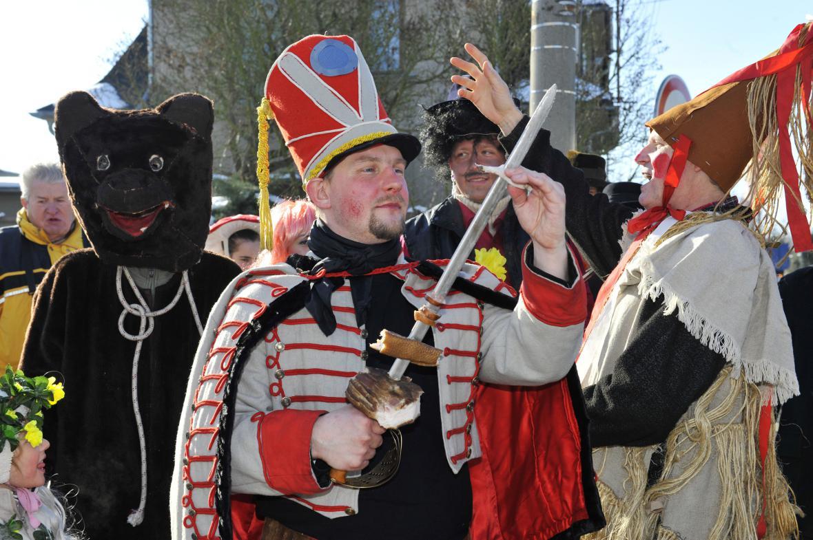 Členové folklorního souboru Mladá Haná z Velké Bystřice na Olomoucku