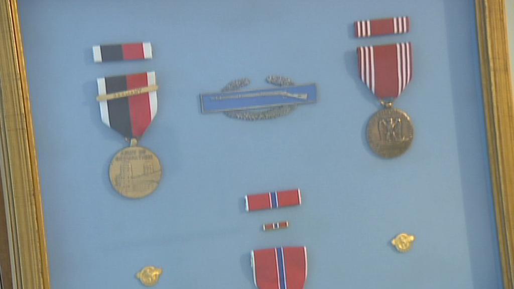 Vojenské odznaky veterána Roberta Muthersbaugha