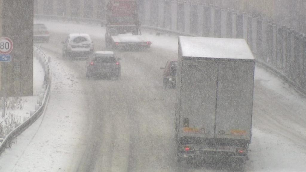 Počasí komplikovalo situaci na silnicích