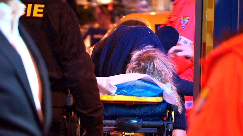 Opilého mladíka odvezla záchranná služba