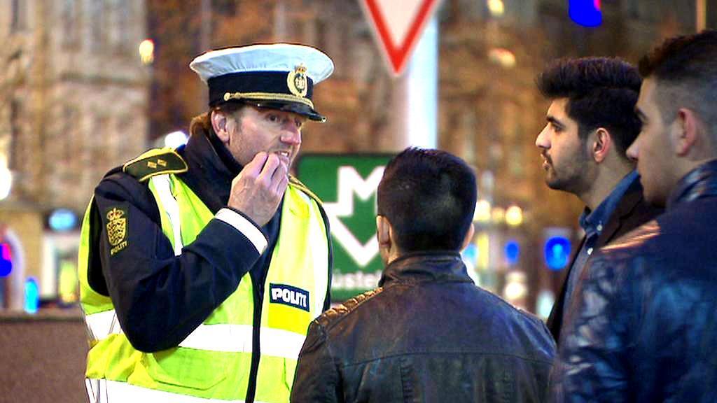 Dánští policisté jednají s krajany