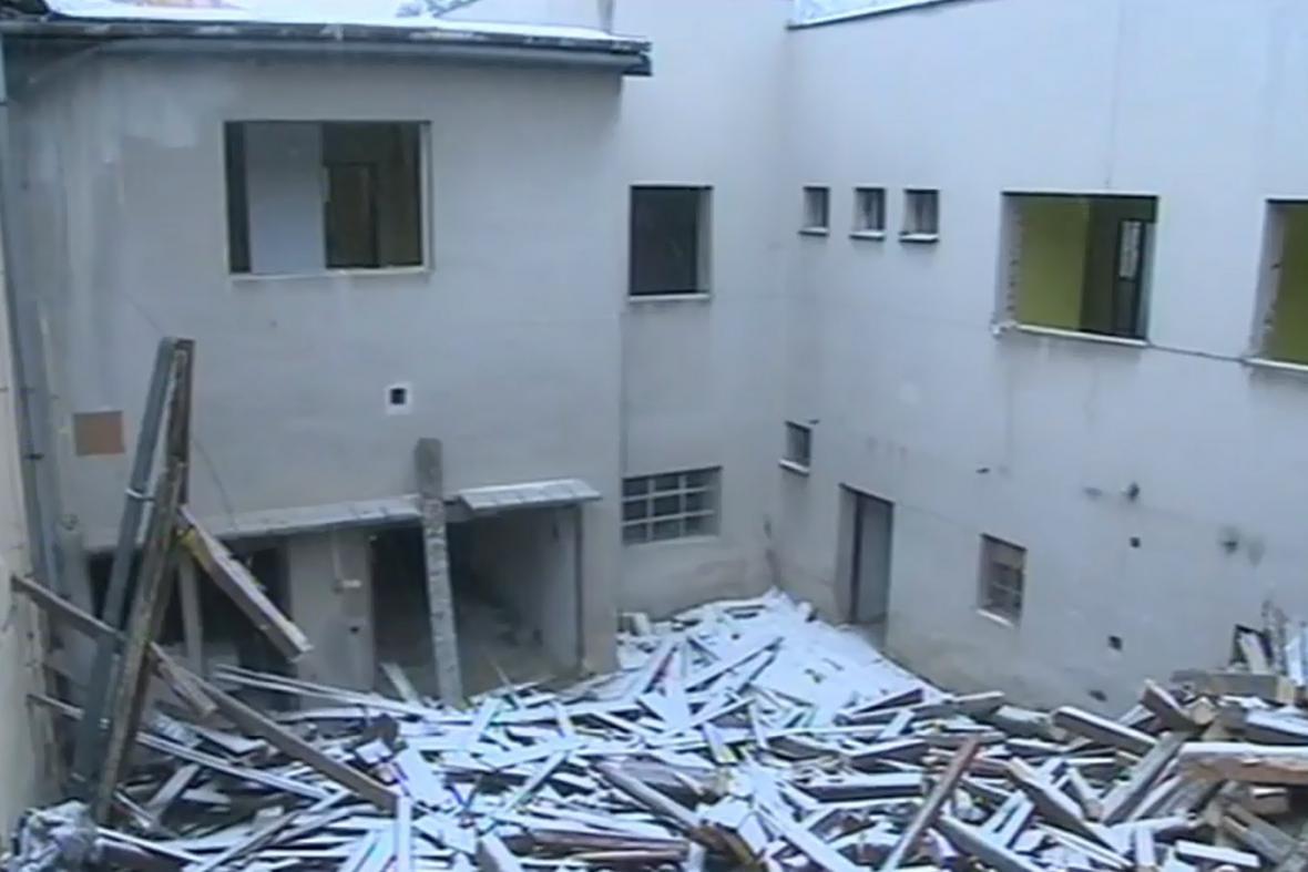 Demolice radnice v Morkovicích-Slížanech