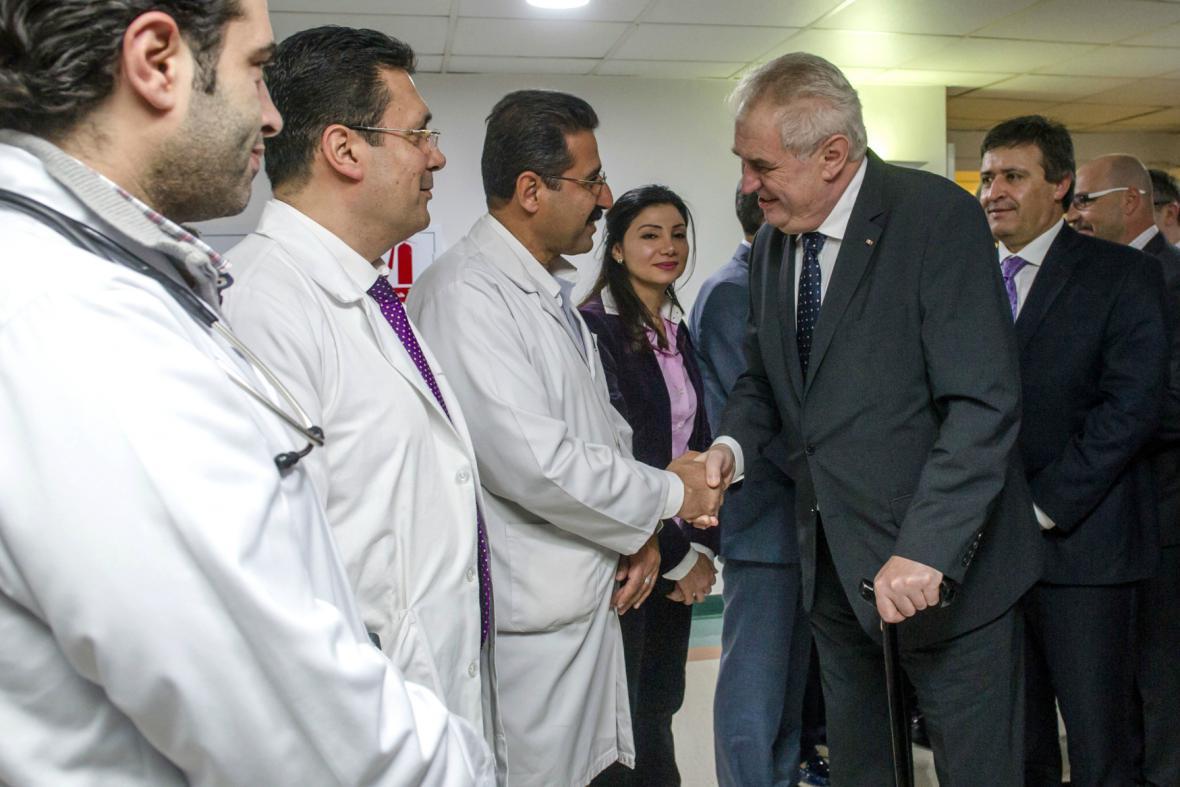 Zeman se v Ammánu setkal se členy české lékařské mise