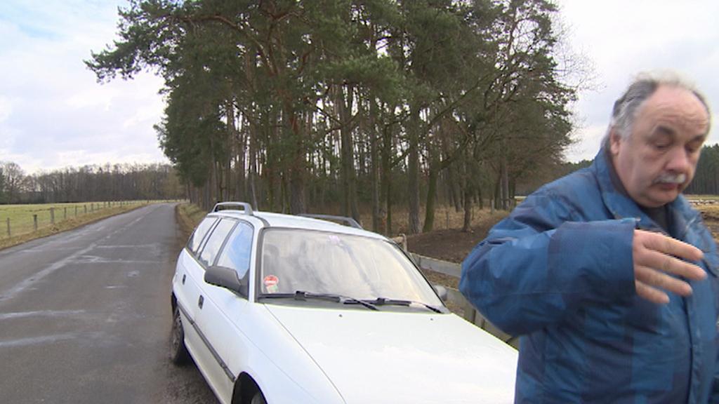 Miloš Švec se snaží vytlačit štáb ČT z veřejné komunikace u své pastviny