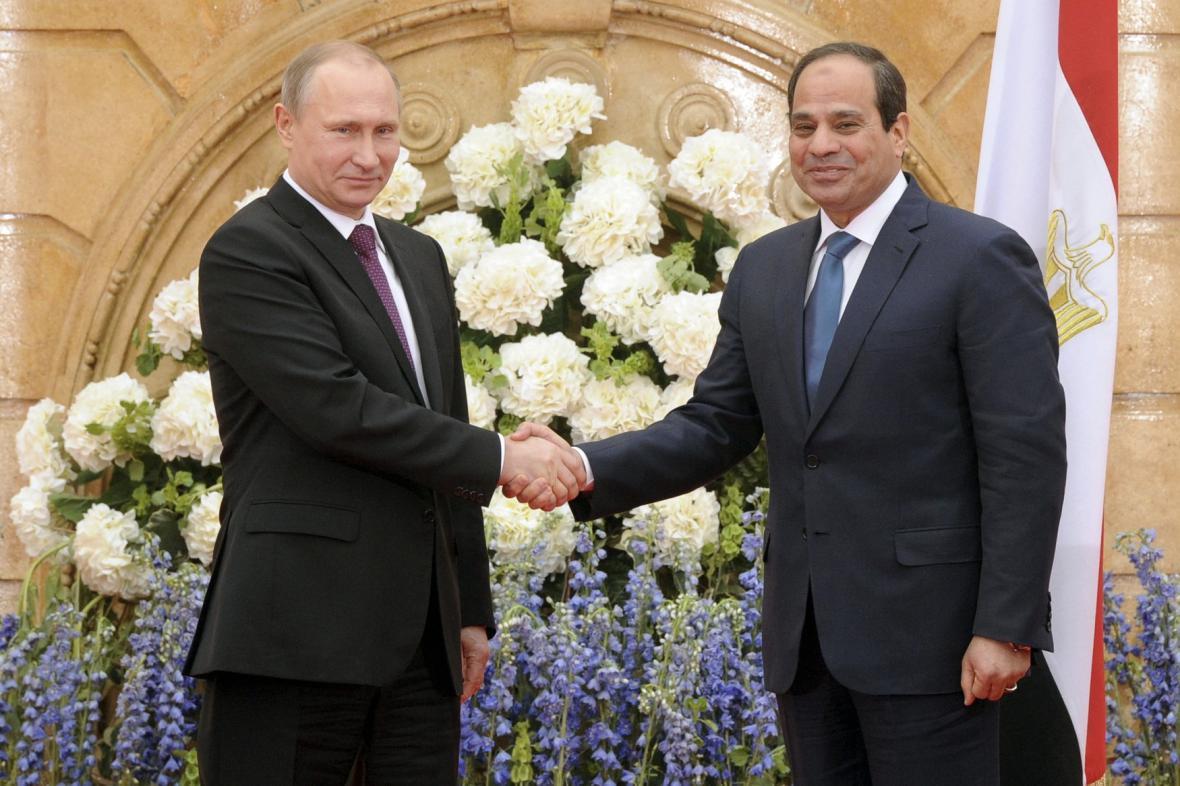 Šéf Kremlu s egyptským prezidentem Sísím