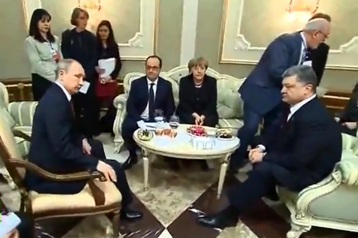V Minsku začala schůzka Putina, Hollanda, Merkelové a Porošenka