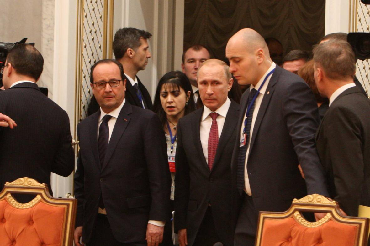 Francois Hollande a Vladimir Putin v Minsku
