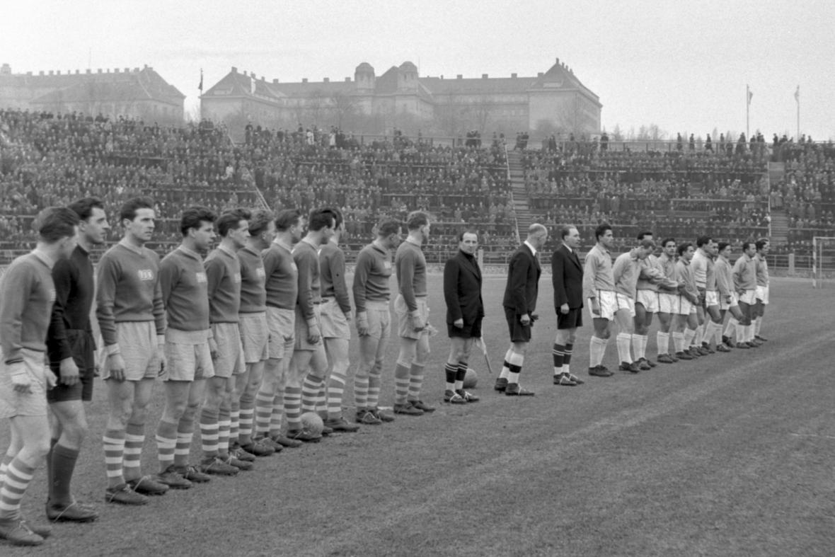 Stadion Za Lužánkami v roce 1956
