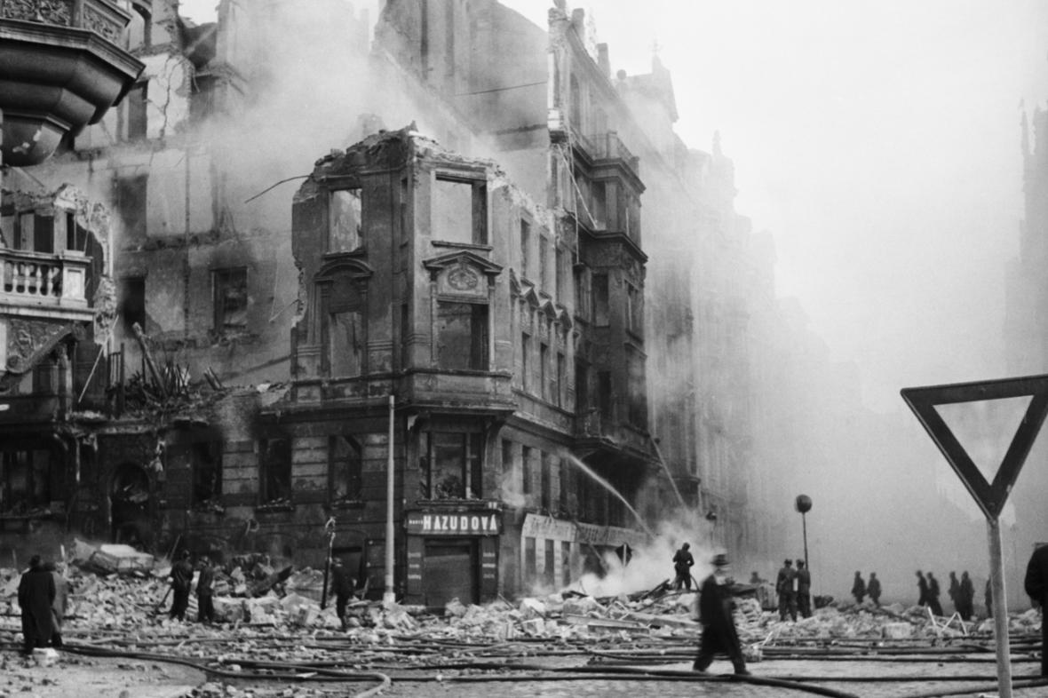 Bombardování Prahy - únor 1945