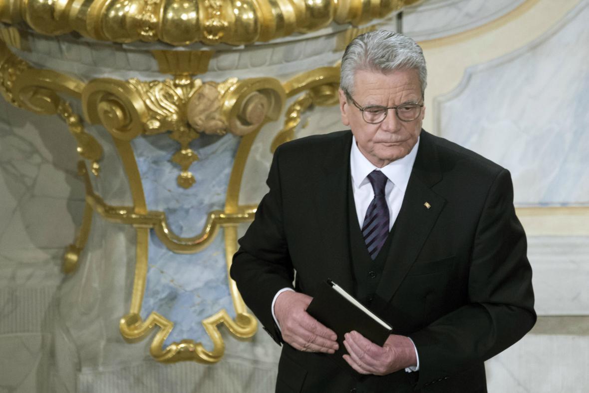 Joachim Gauck při pietní akci v Drážďanech