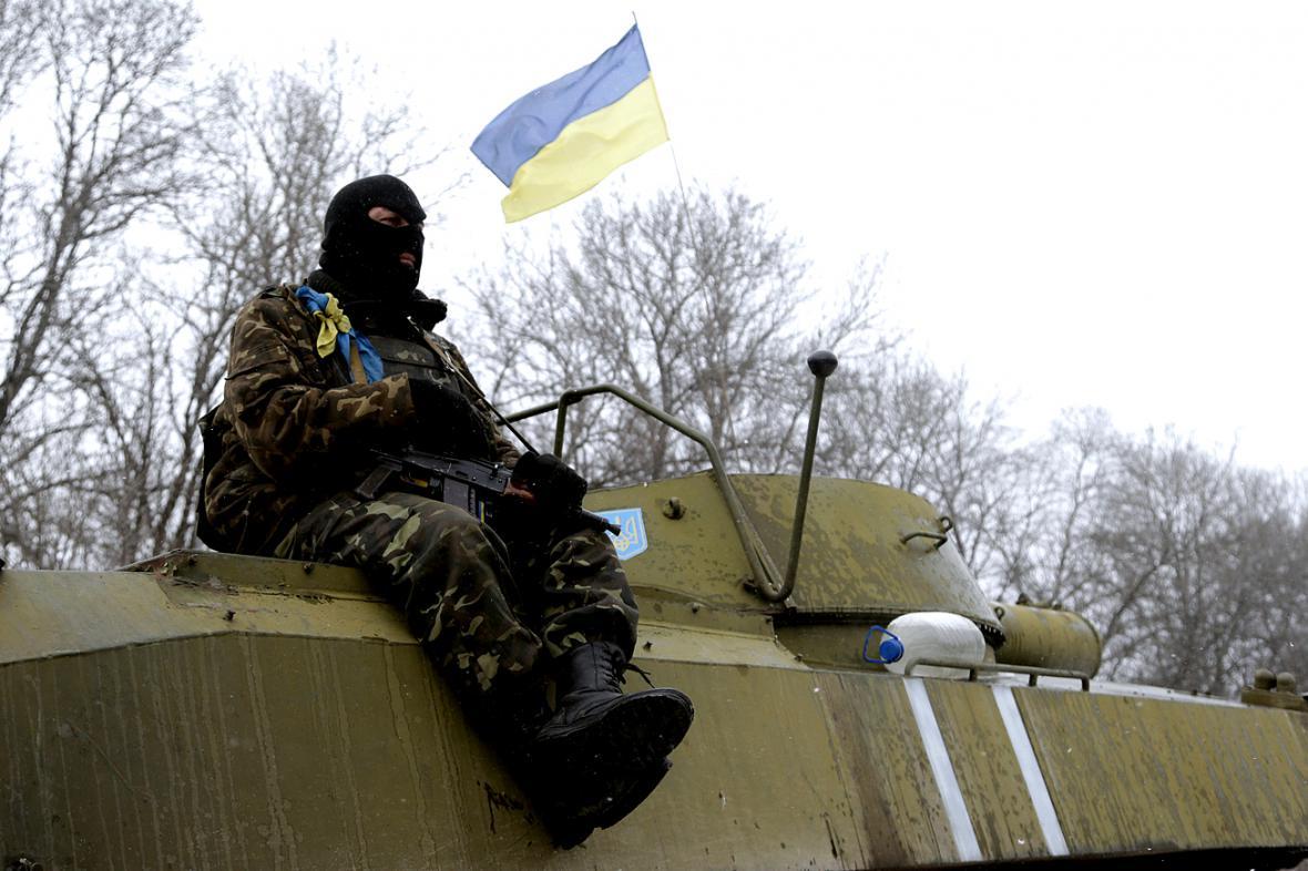 Ukrajinská armádní hlídka mezi Debalceve a Artemivskem