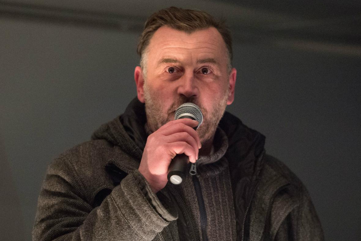 Lutz Bachmann na drážďanské demonstraci Pegidy