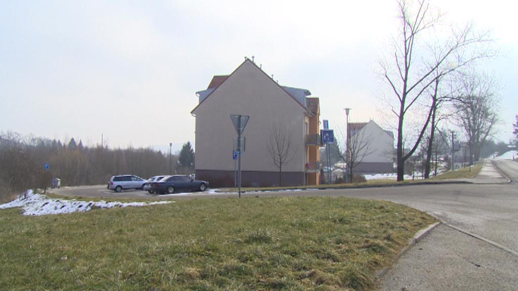 Na místě bývalého cvičiště v Českém Krumlově jsou dnes bytové domy