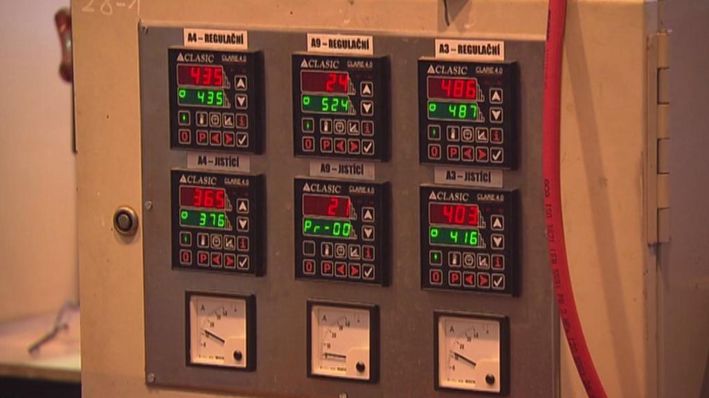 Přístroje ve firmě UJP Praha