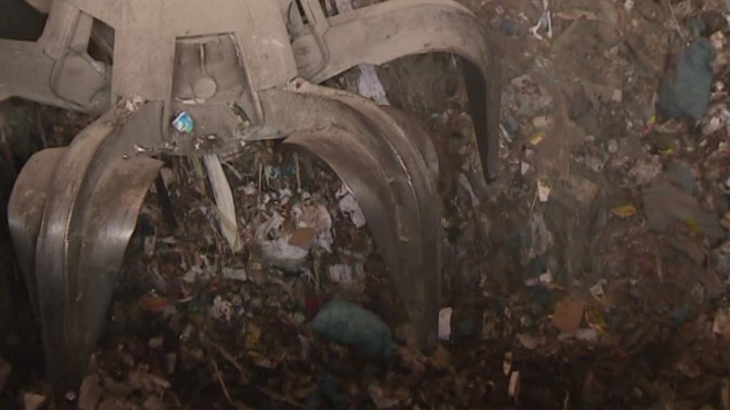 Ze spalovny komunálního odpadu - ilustrační záběr