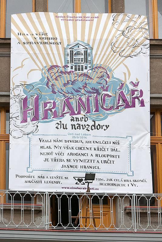 Plakát na budově Hraničáře