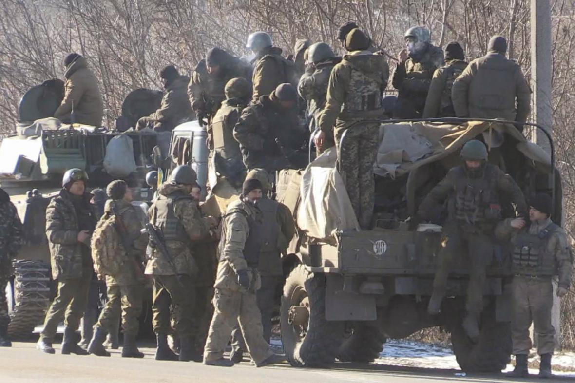 Odjezd ukrajinských vojáků z oblasti Debalceve