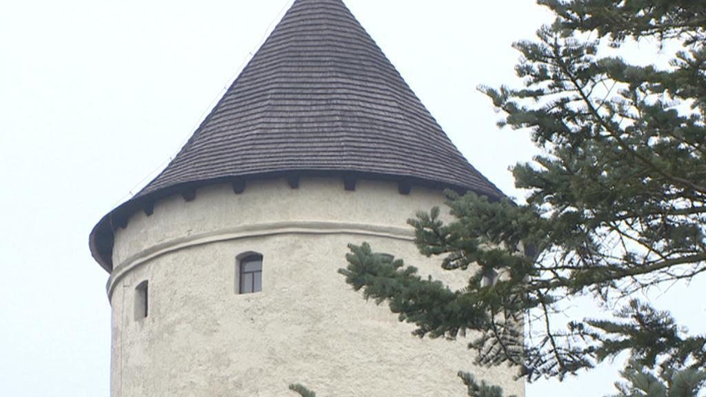 Věž hradu Rychmburk