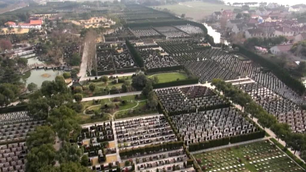 Luxusní hřbitov na předměstí Šanghaje