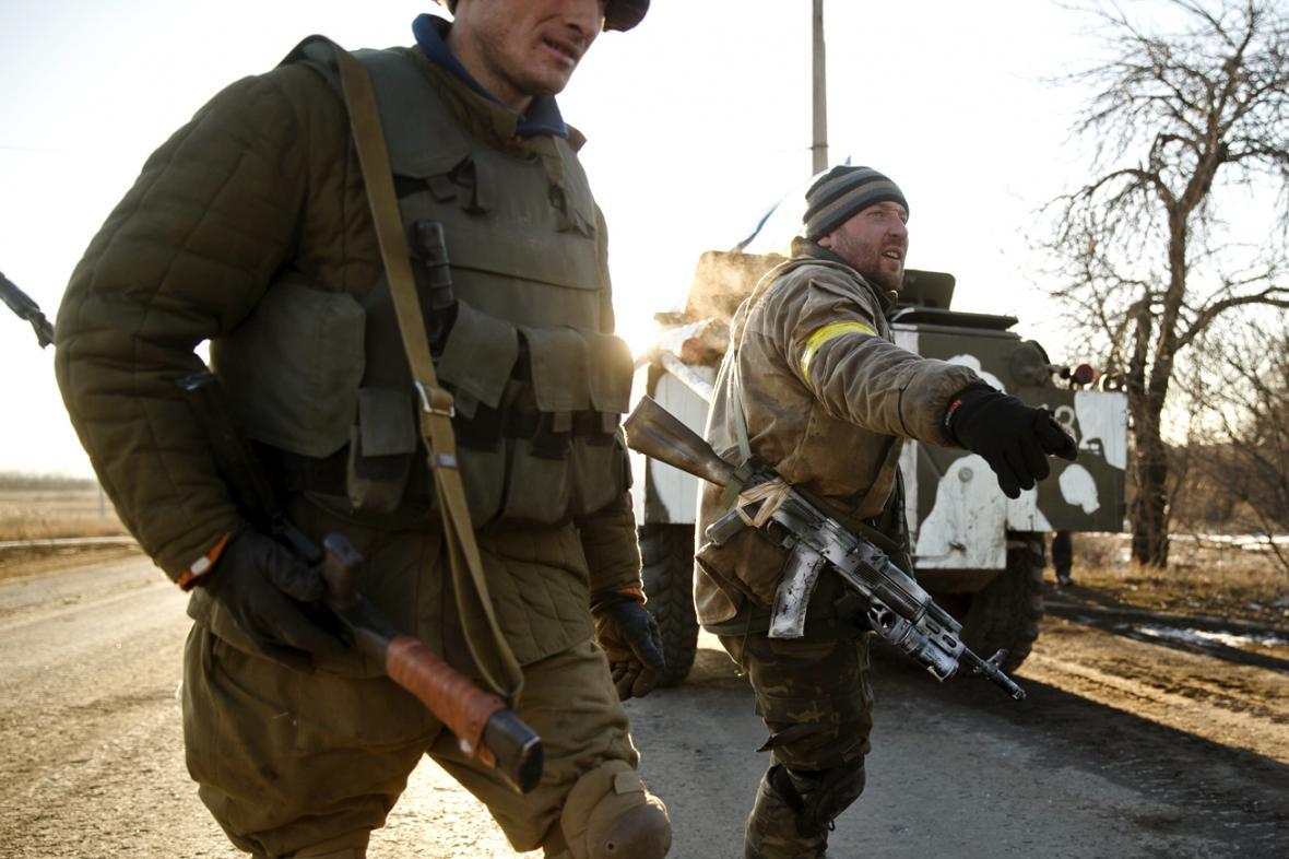 Ukrajinští vojáci u Artemivsku