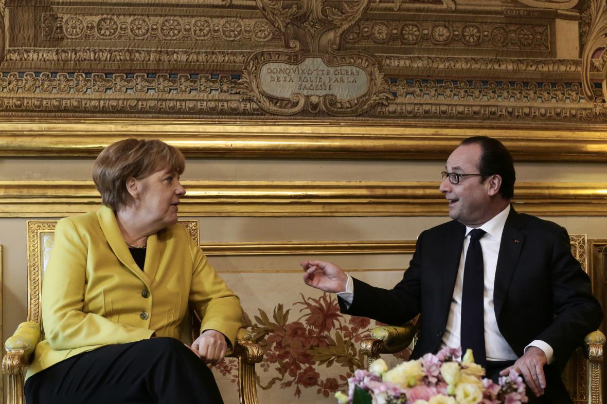 Merkelová a Hollande znovu jednali o situaci na Ukrajině