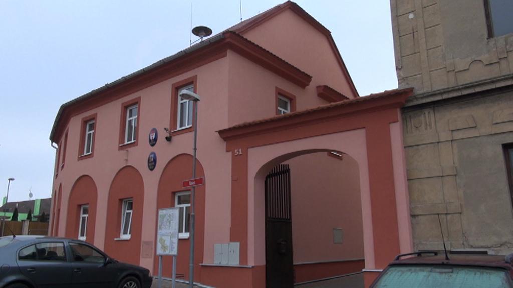 Obecní úřad ve Strupčicích má novou fasádu