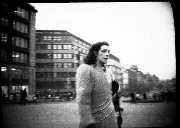 Fotografie z archivu StB - sledování objektu Ali