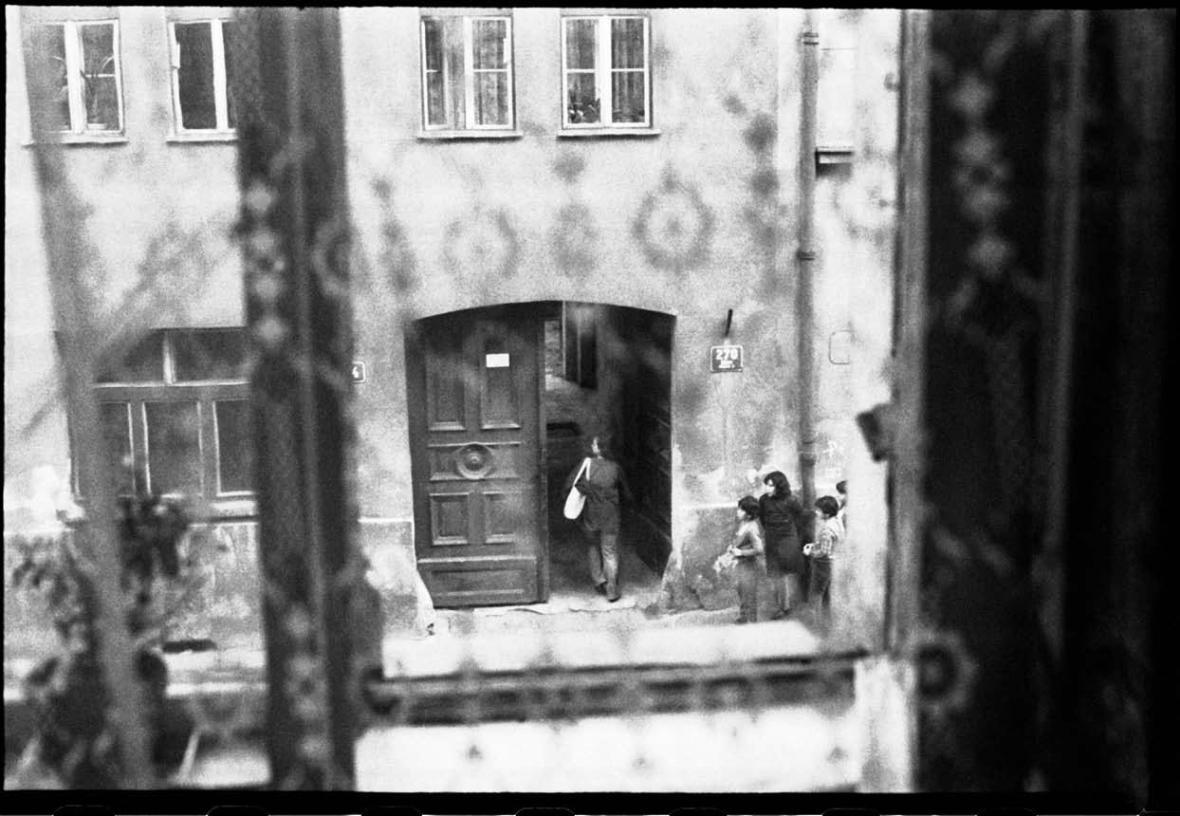 Fotografie z archivu StB - případ Petra