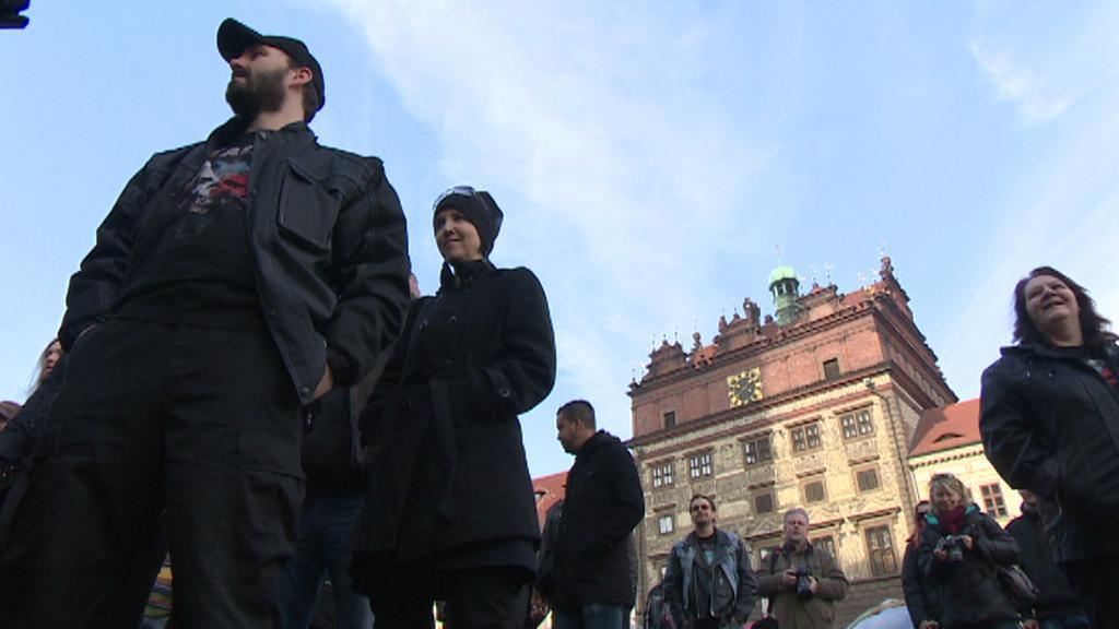 Pochod fanoušků metalu v Plzni