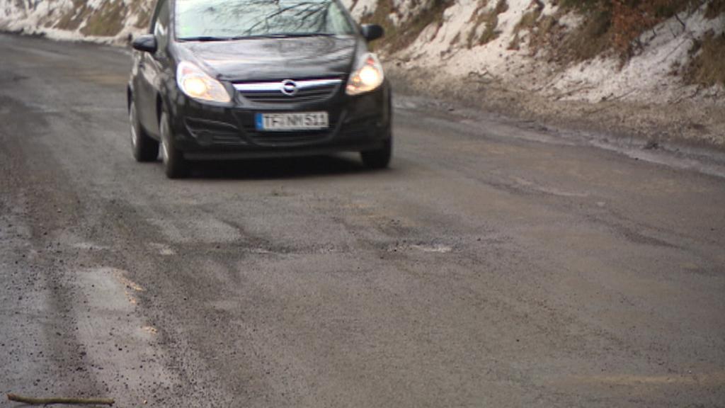 Budou peníze na opravy silnic v Karlovarském kraji?