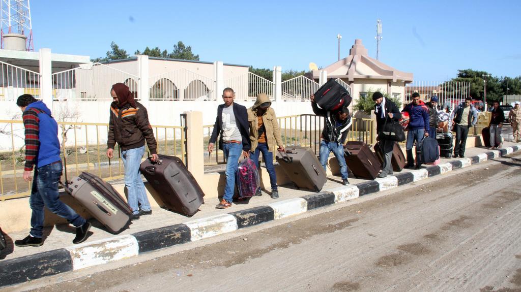 Egypťané hromadně prchají z Libye