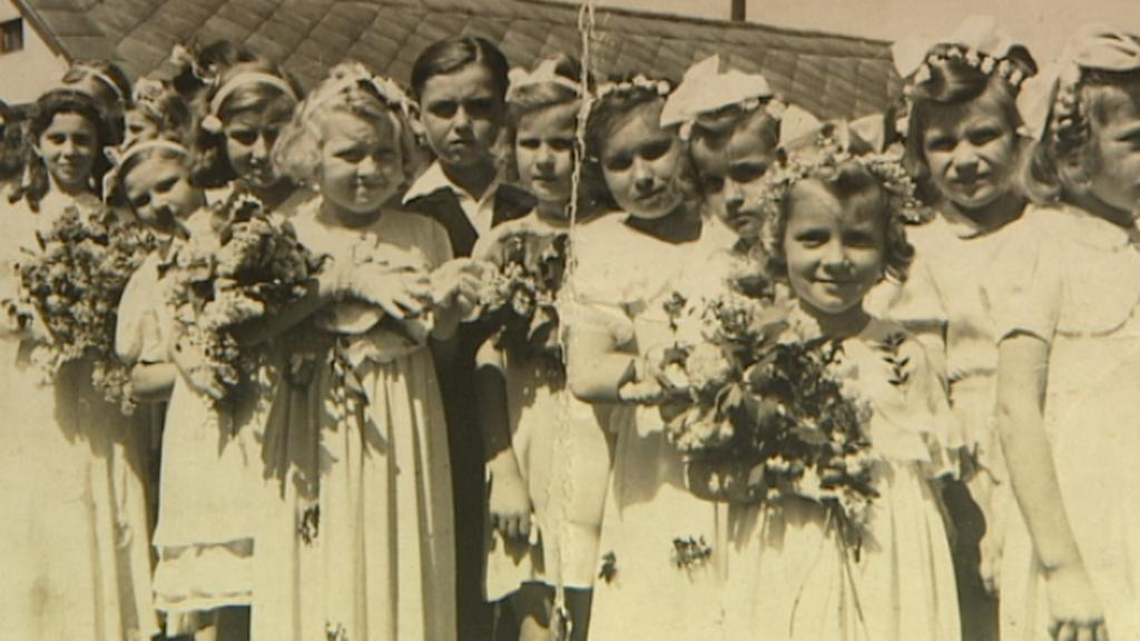Archivní fotografie místních dětí