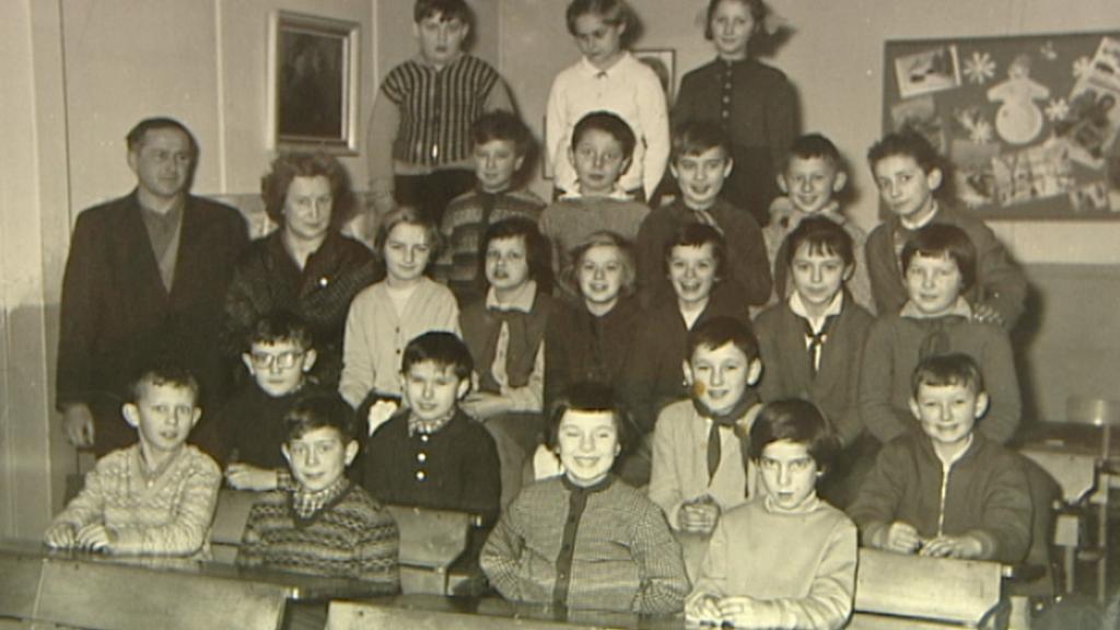 Archivní fotografie ze školy