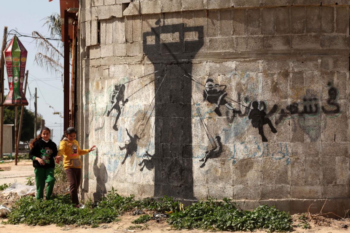 Banksyho údajné dílo v Pásmu Gazy
