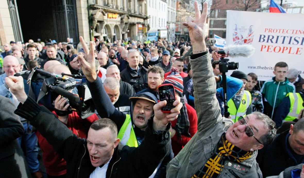 Demonstrace Pegidy v Newcastlu