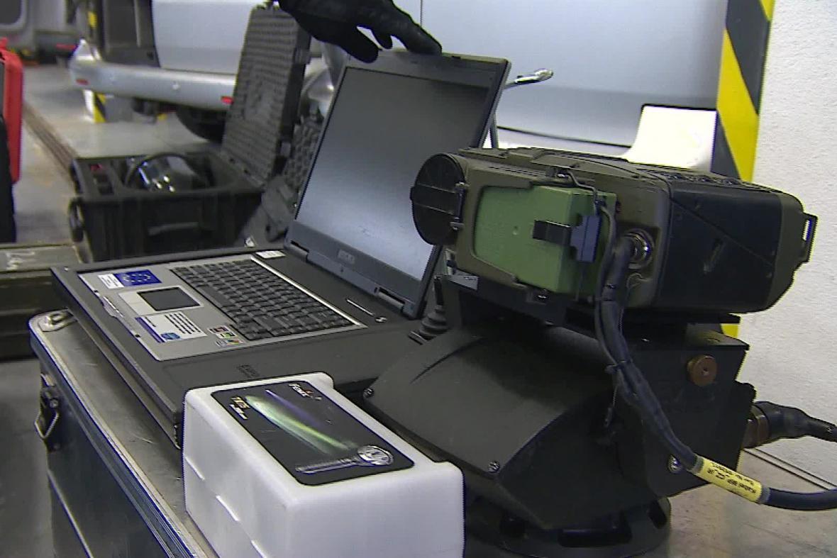 Součástí výstroje je i termokamera
