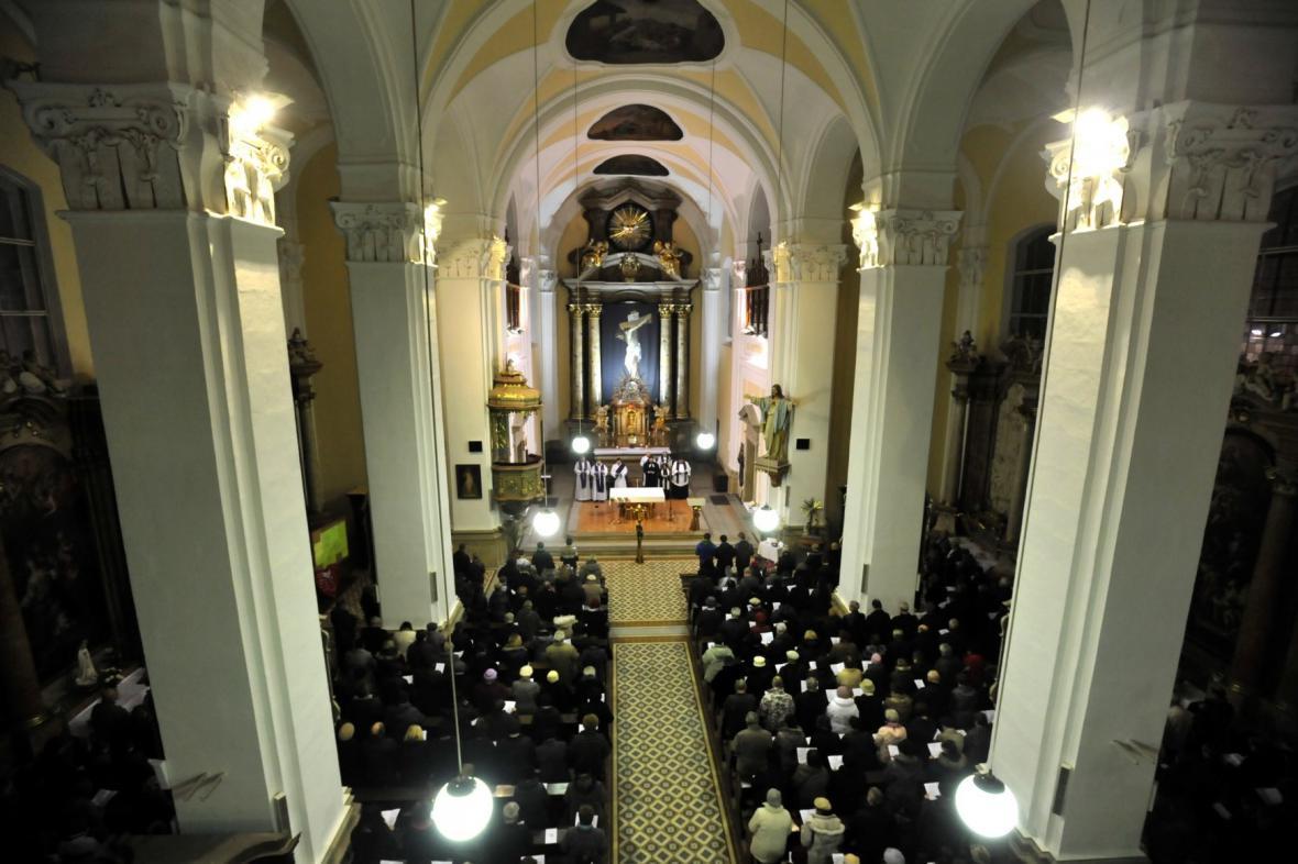 Mše za oběti střelby v Uherském Brodě