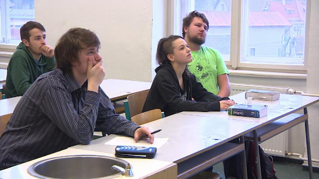 Studenti Gymnázia v Hostinném