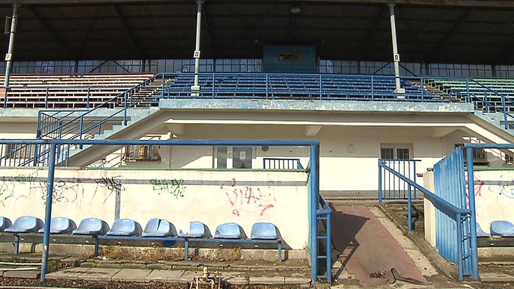 Tribuna stadionu v Čelákovicích